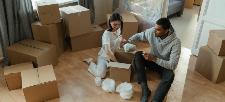 couple moving to Chicago from Florida